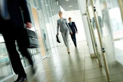 3 важни стъпки преди да повишите служител