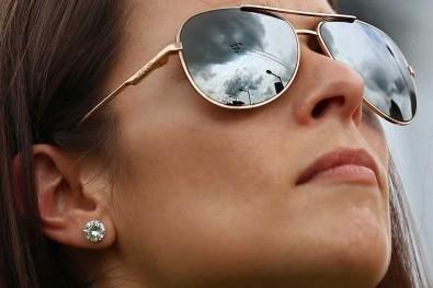 Изобретиха очила за селфи